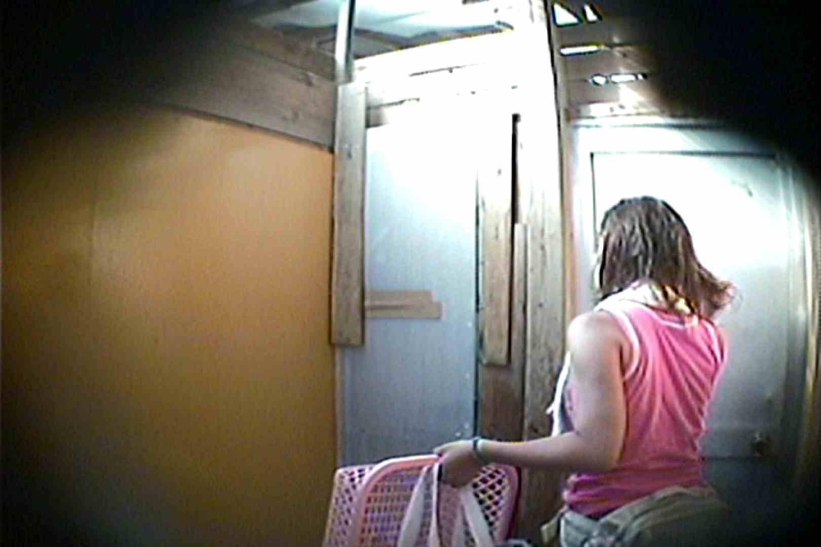 海の家の更衣室 Vol.15 シャワー | 美肌  93画像 18