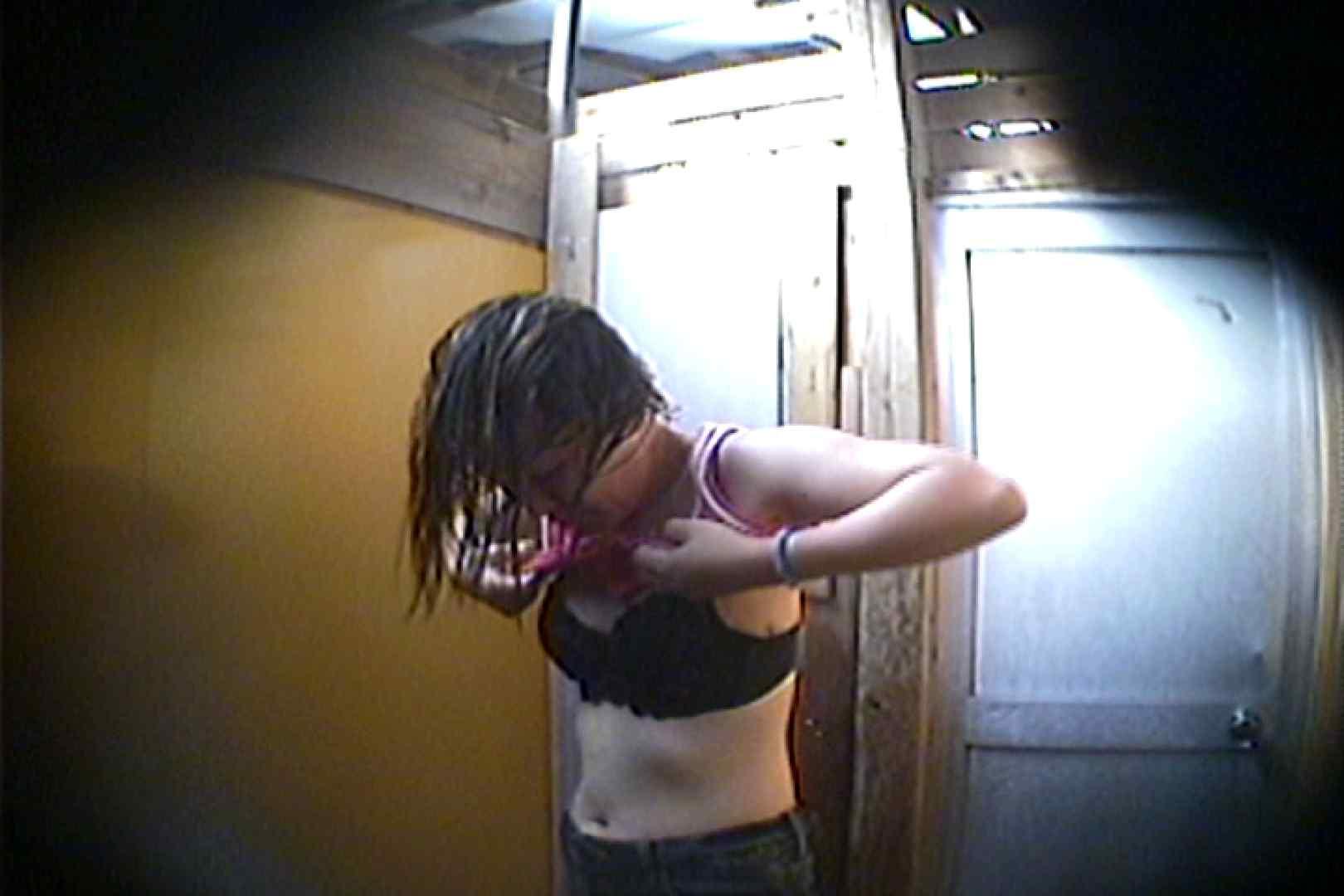 海の家の更衣室 Vol.15 シャワー | 美肌  93画像 89