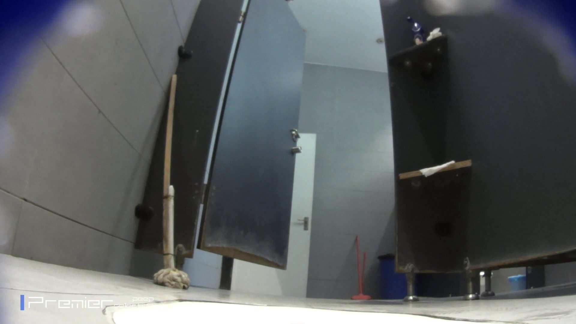 個室のドアを開けたまま放nyoする乙女 大学休憩時間の洗面所事情85 洗面所 | 細身  96画像 4