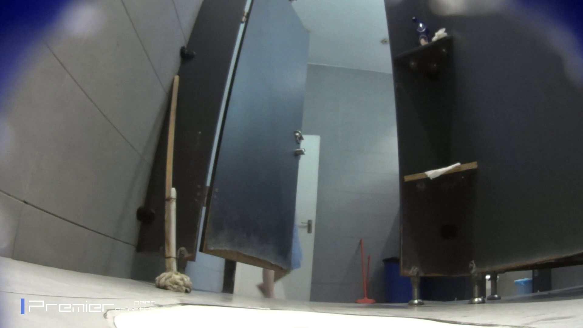 個室のドアを開けたまま放nyoする乙女 大学休憩時間の洗面所事情85 洗面所 | 細身  96画像 5