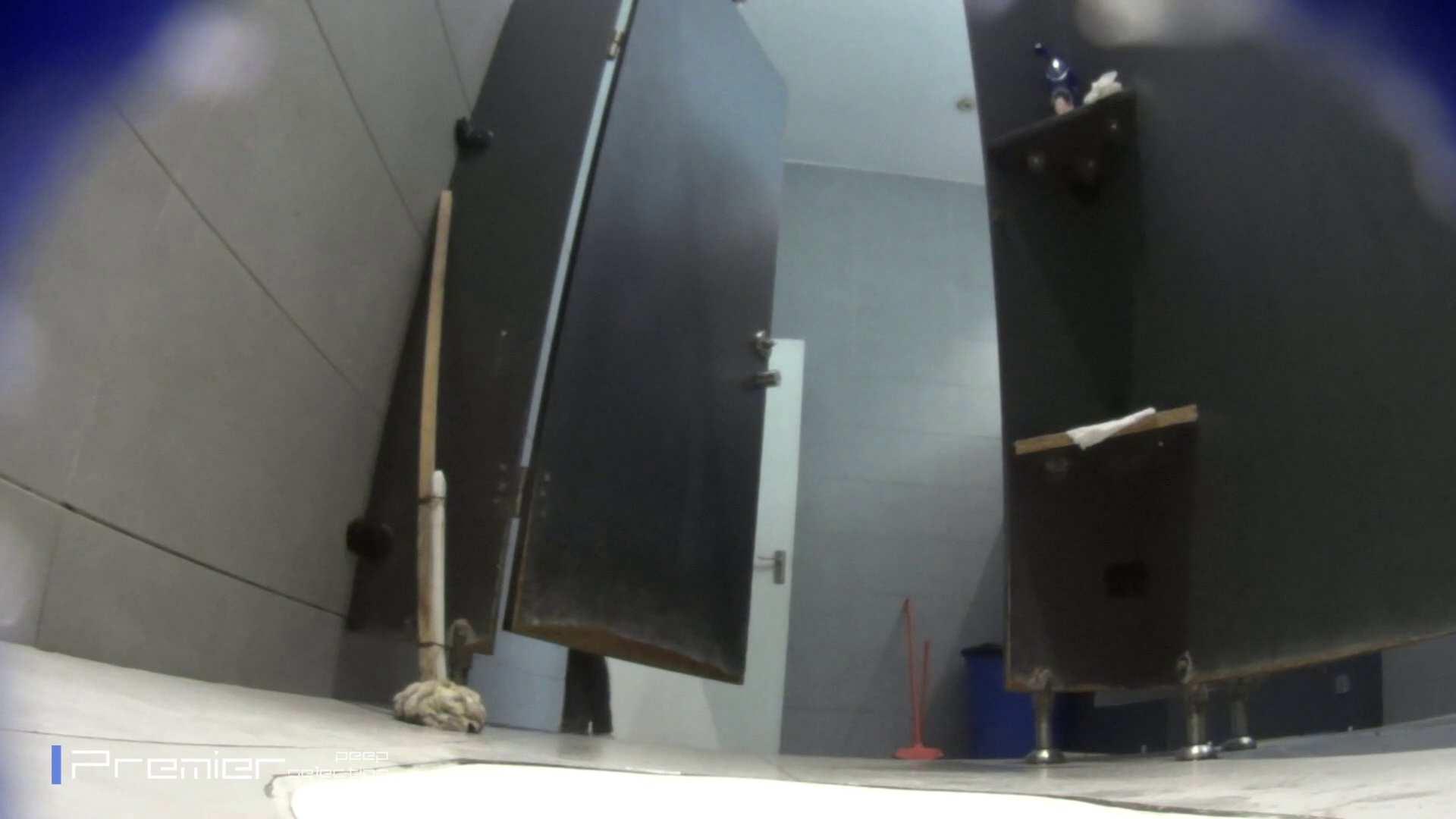 個室のドアを開けたまま放nyoする乙女 大学休憩時間の洗面所事情85 洗面所 | 細身  96画像 35