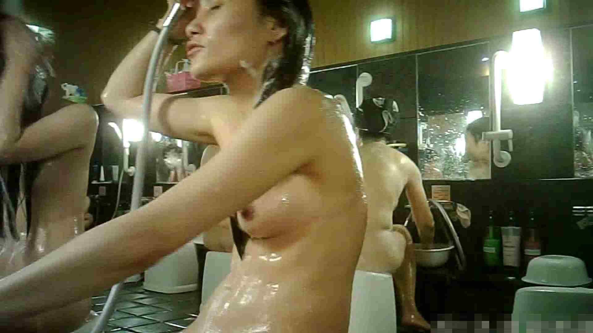 No.3 洗い場!!手前の嬢、特徴的な顔とコンパクトなおっぱい。 女湯 | おっぱい  99画像 28