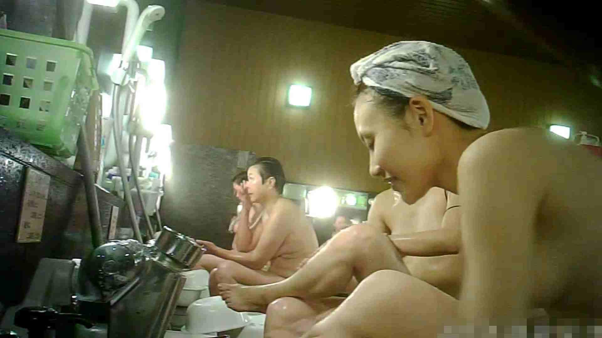 No.3 洗い場!!手前の嬢、特徴的な顔とコンパクトなおっぱい。 女湯 | おっぱい  99画像 83