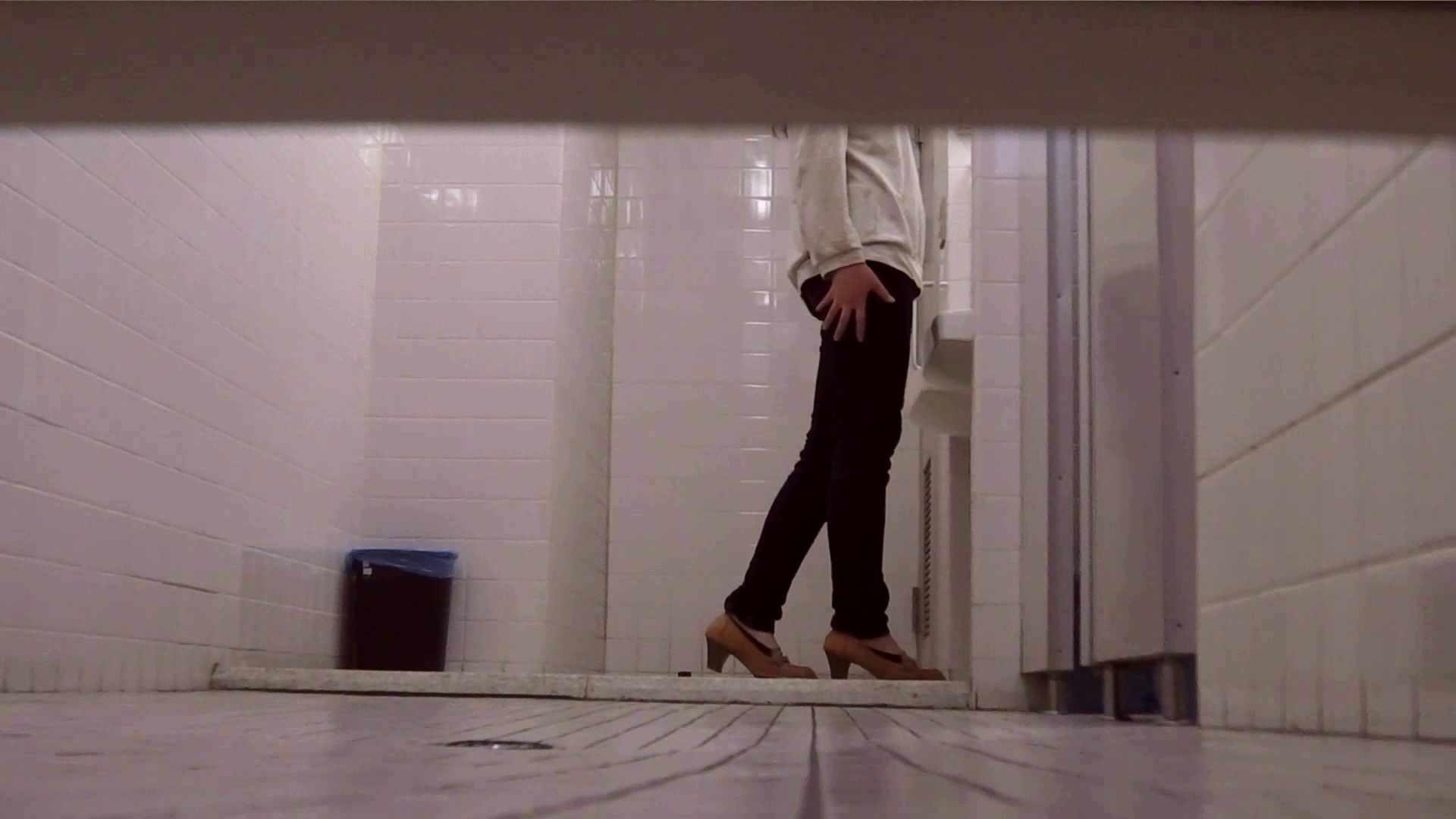 お銀さんの「洗面所突入レポート!!」無料お試し動画!!その1 お姉さん | 丸見えマンコ  31画像 22