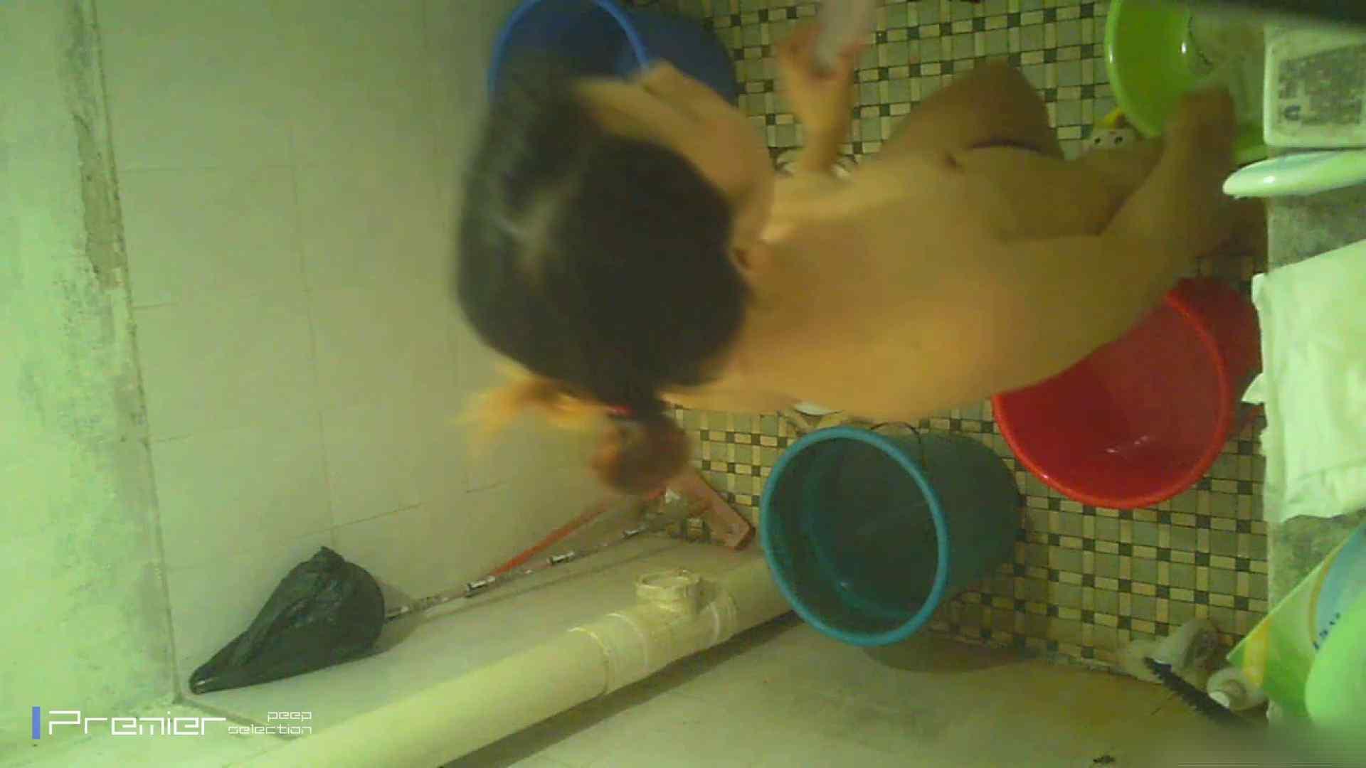 美女の痴態に密着!洗面所で入浴! ギャル   美肌  41画像 12