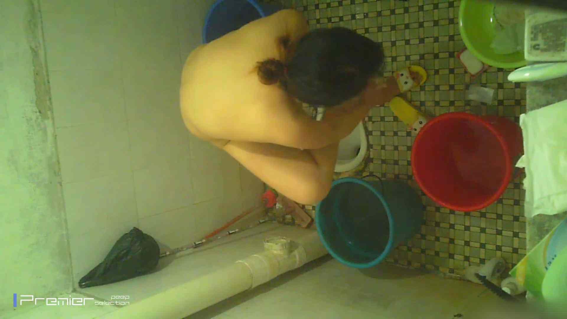 美女の痴態に密着!洗面所で入浴! ギャル   美肌  41画像 13