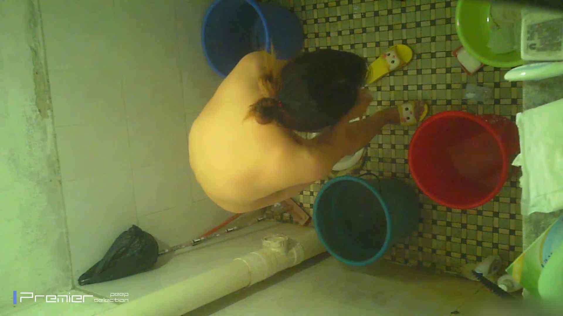 美女の痴態に密着!洗面所で入浴! ギャル   美肌  41画像 17