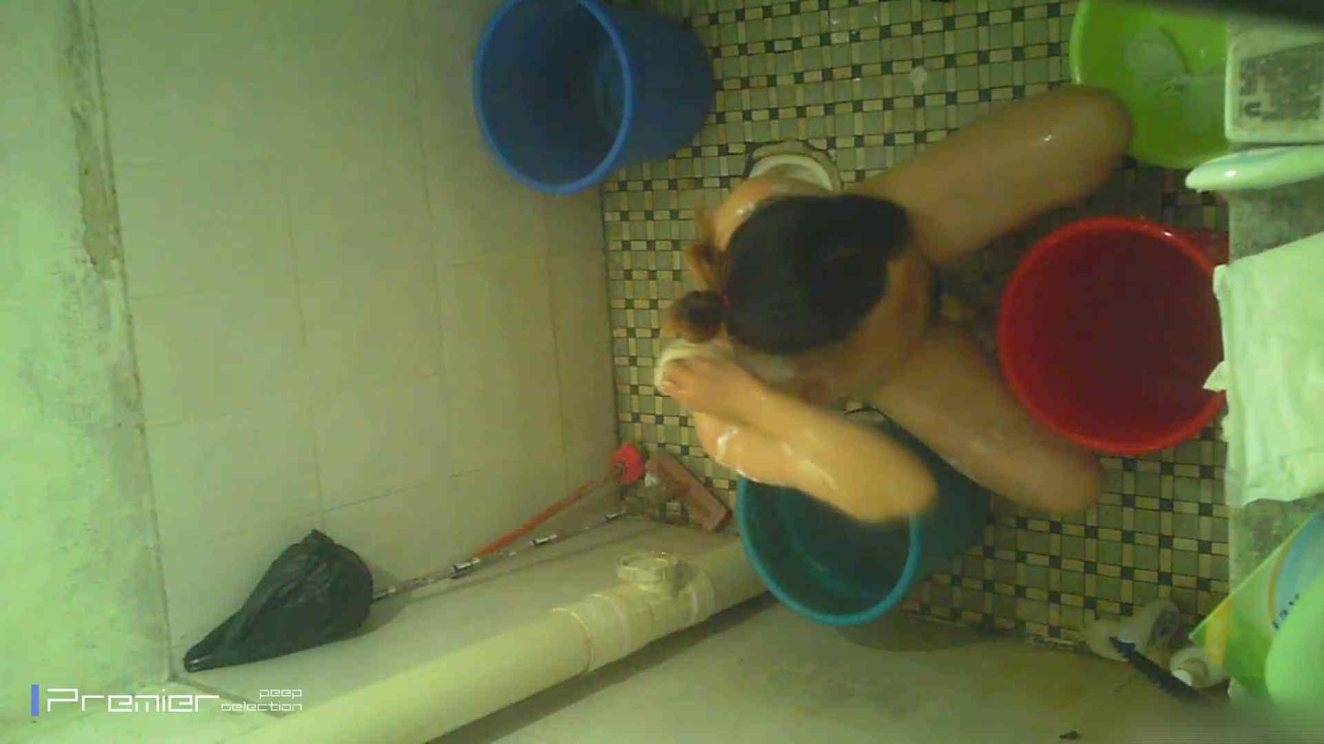 美女の痴態に密着!洗面所で入浴! ギャル   美肌  41画像 26