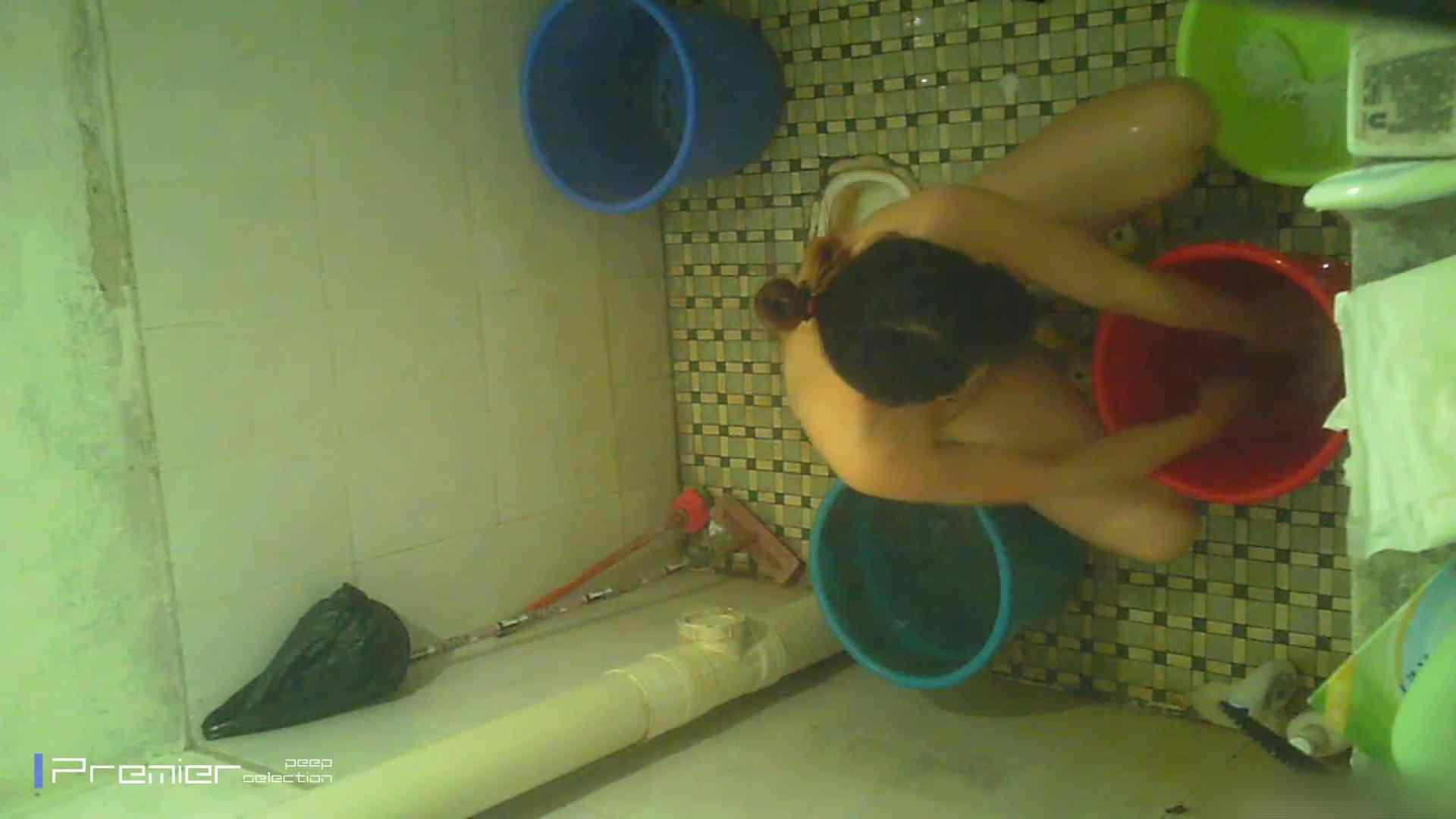 美女の痴態に密着!洗面所で入浴! ギャル   美肌  41画像 28