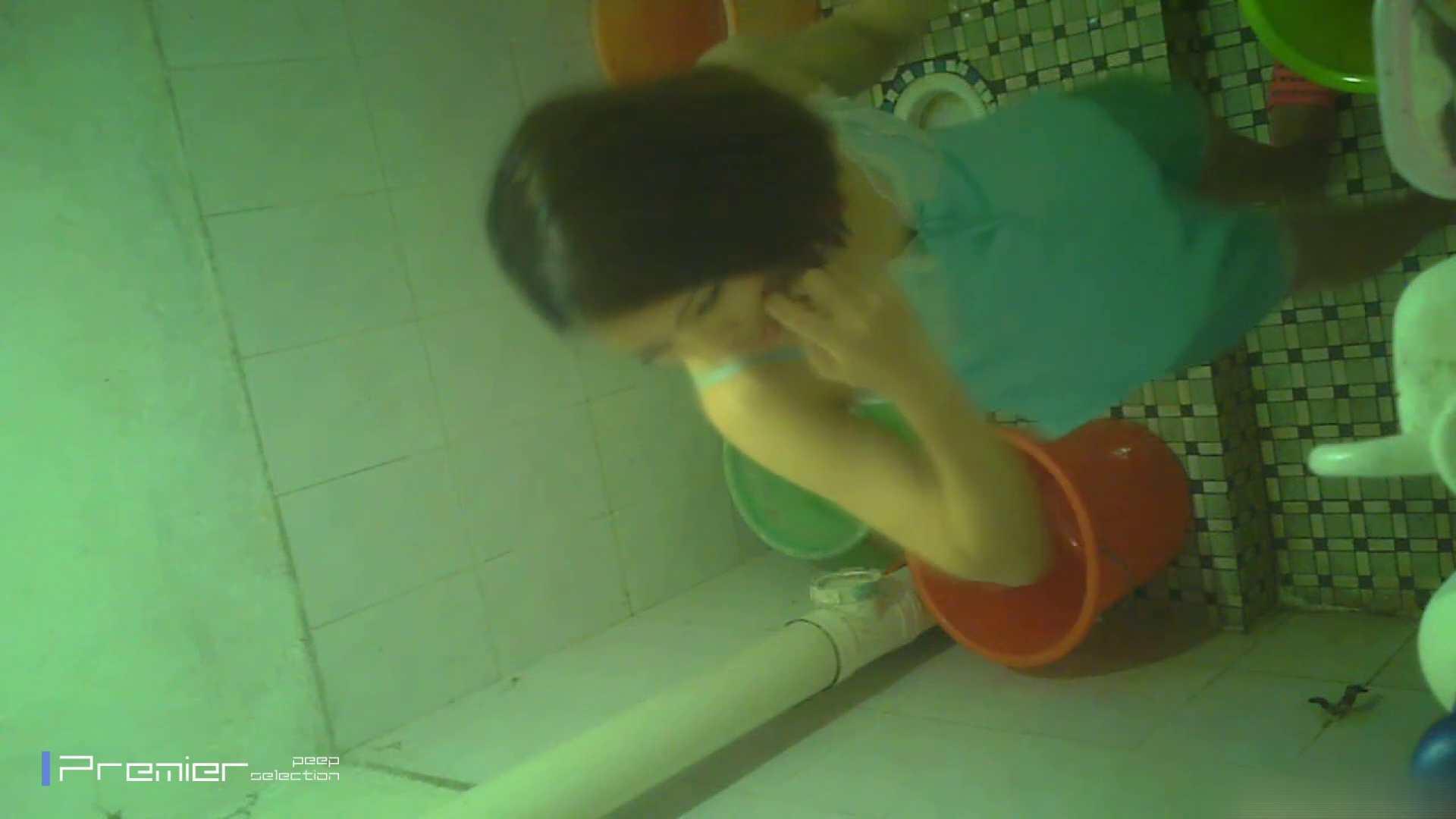 美女の痴態に密着!洗面所で体を洗う!絶世の美女 Vol.06 桃色乳首   盗撮  39画像 8