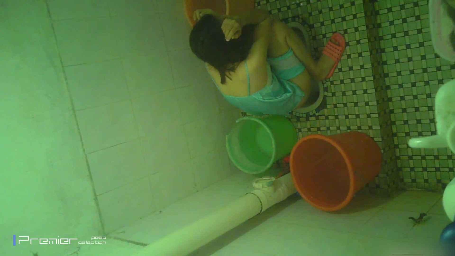 美女の痴態に密着!洗面所で体を洗う!絶世の美女 Vol.06 桃色乳首   盗撮  39画像 11