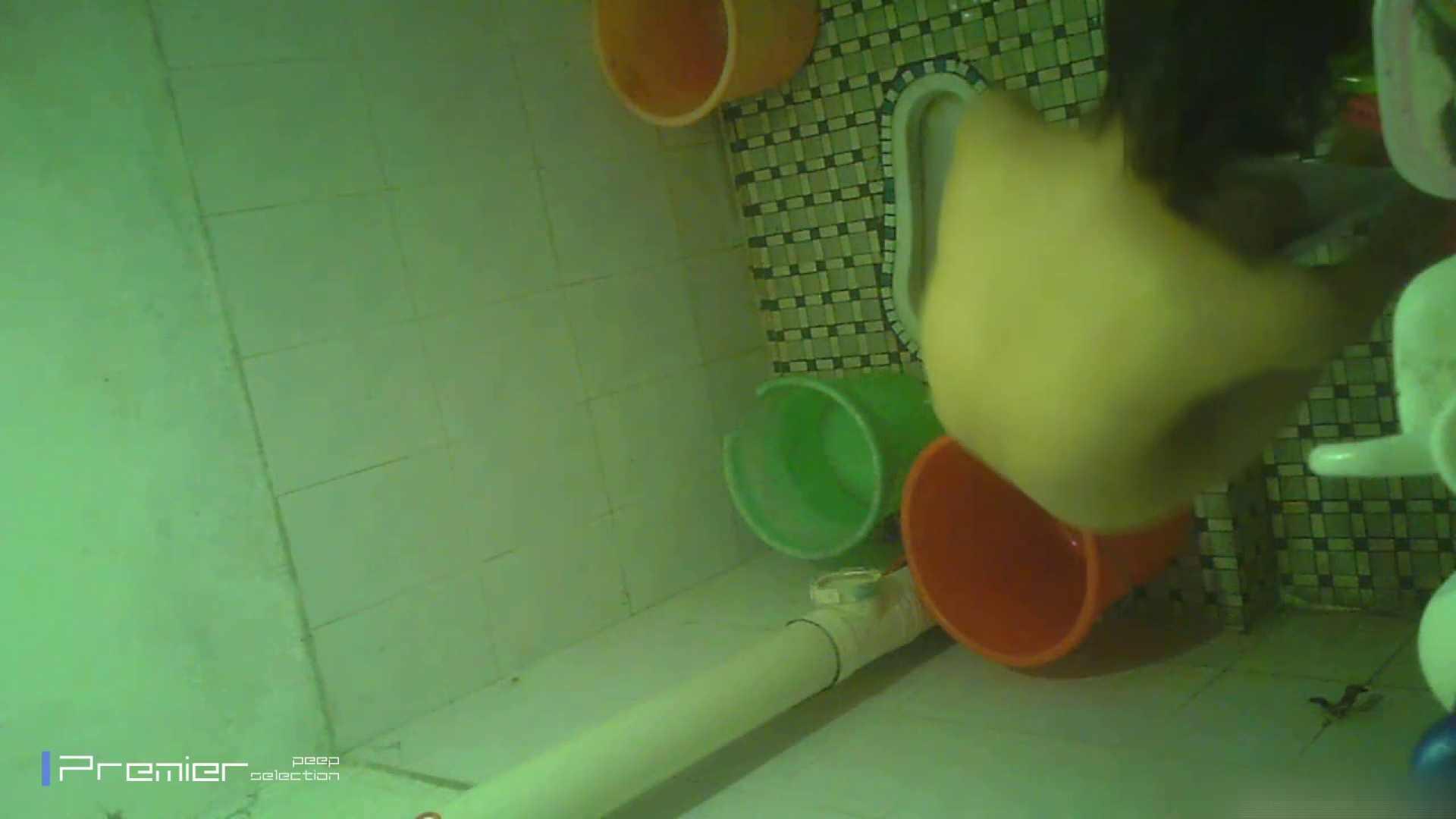 美女の痴態に密着!洗面所で体を洗う!絶世の美女 Vol.06 桃色乳首   盗撮  39画像 36