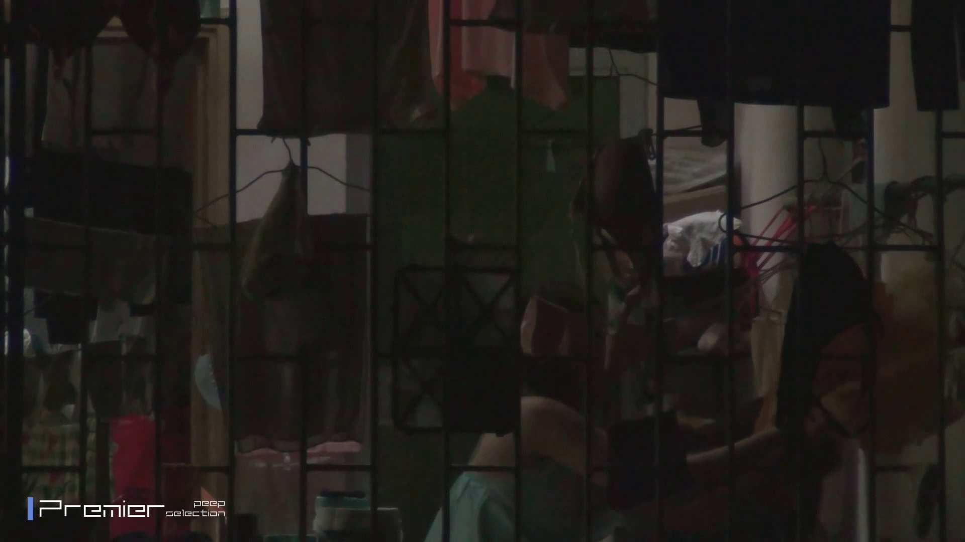美女の痴態に密着!洗濯物を干す女 Vol.07 美女H映像 | 洗面所  29画像 6