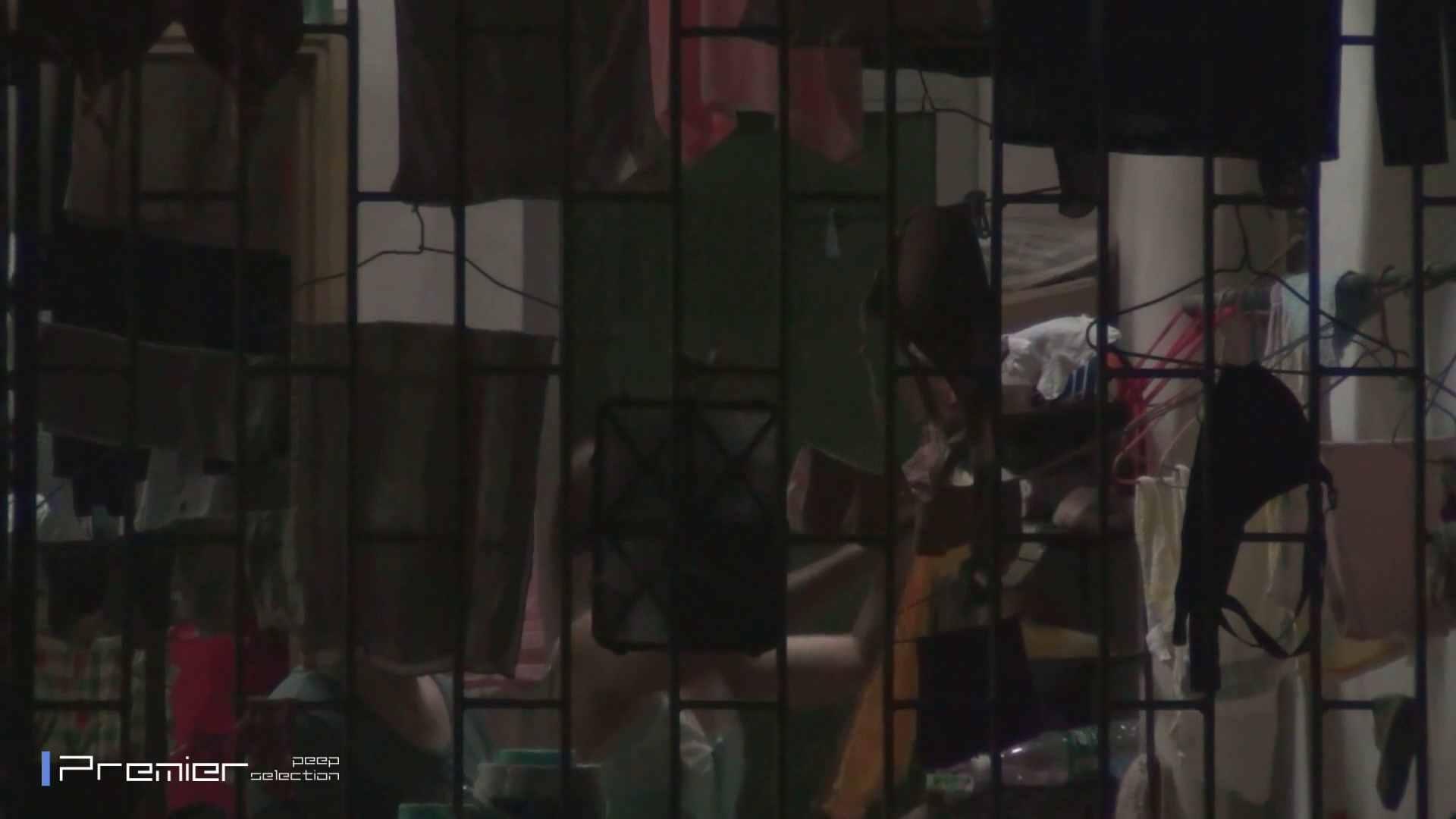 美女の痴態に密着!洗濯物を干す女 Vol.07 美女H映像 | 洗面所  29画像 9