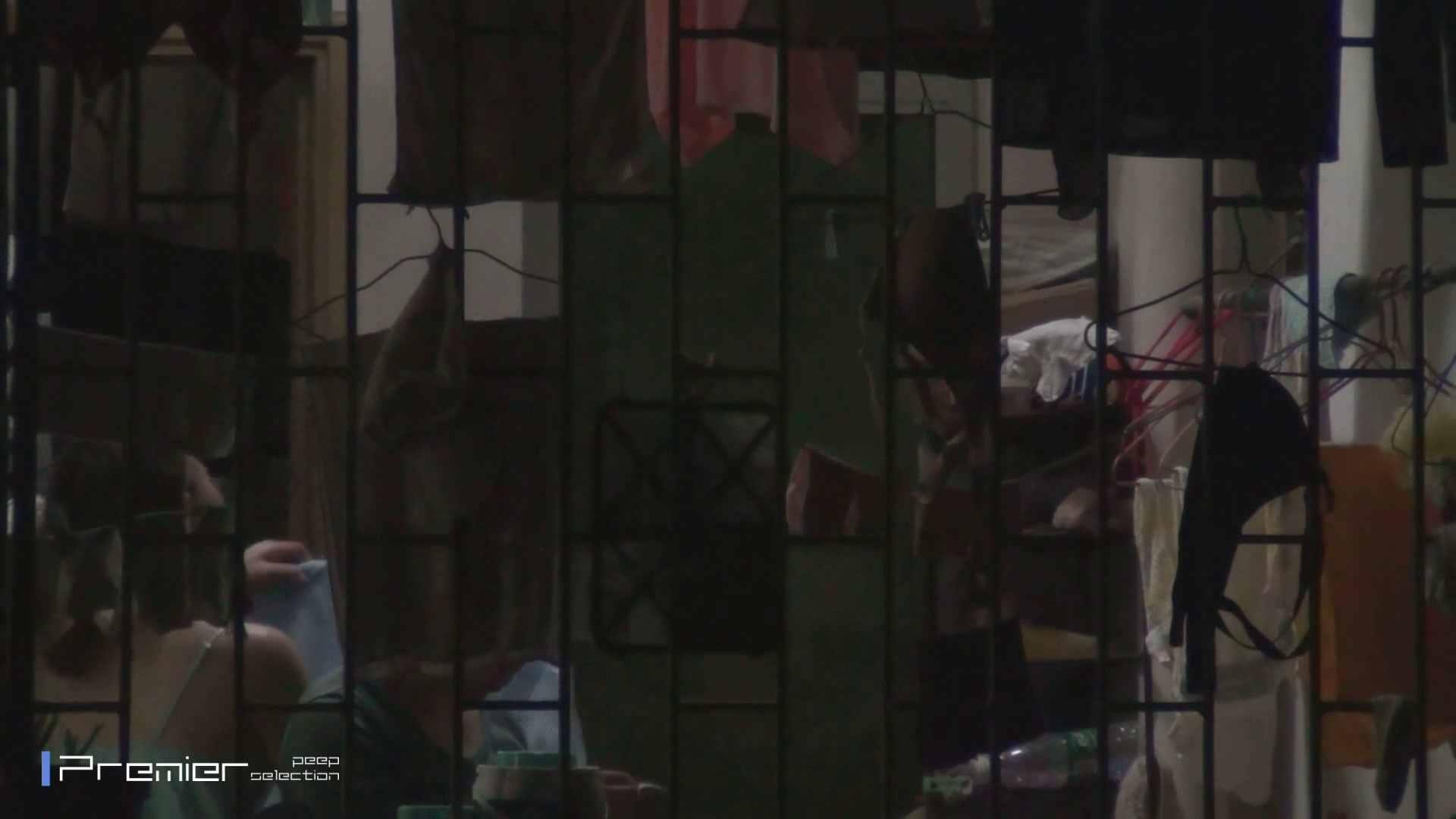 美女の痴態に密着!洗濯物を干す女 Vol.07 美女H映像 | 洗面所  29画像 13