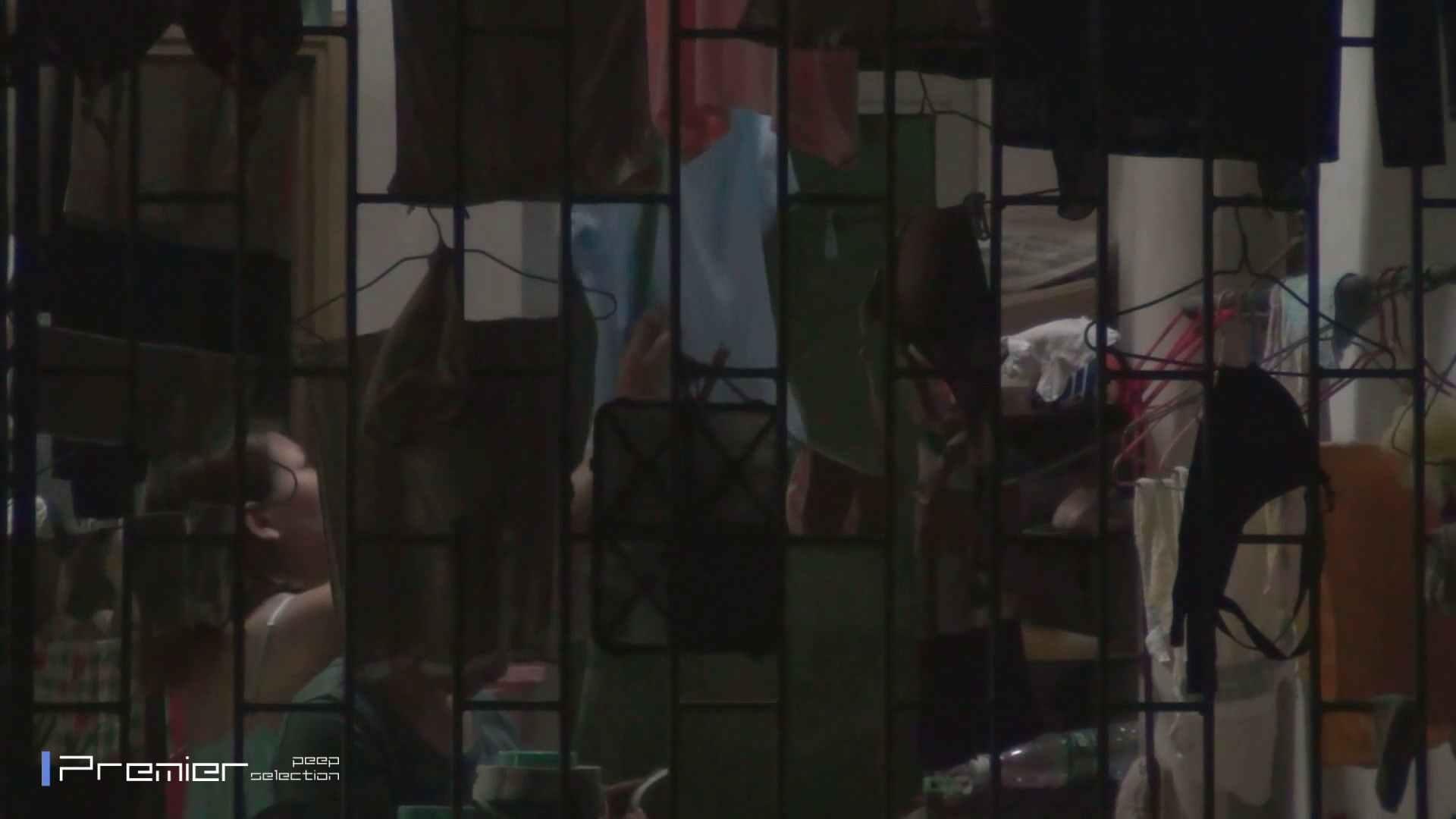 美女の痴態に密着!洗濯物を干す女 Vol.07 美女H映像 | 洗面所  29画像 15