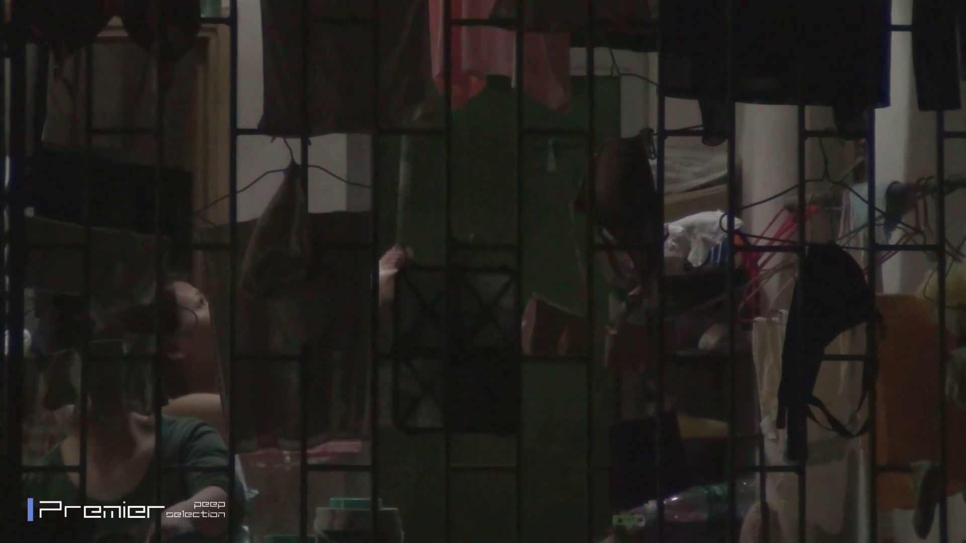 美女の痴態に密着!洗濯物を干す女 Vol.07 美女H映像 | 洗面所  29画像 19