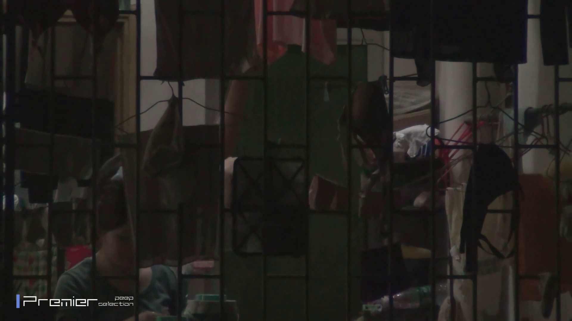 美女の痴態に密着!洗濯物を干す女 Vol.07 美女H映像 | 洗面所  29画像 20