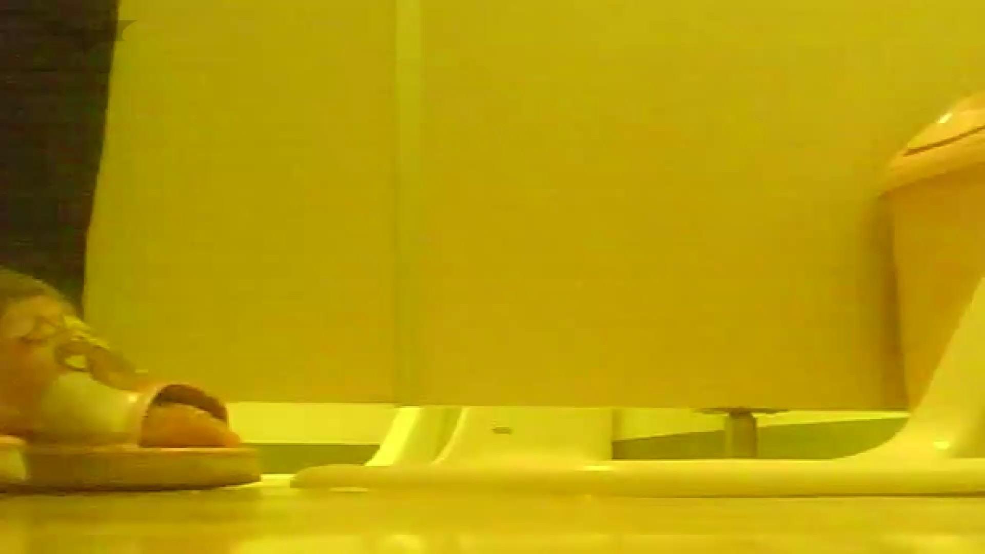 夏の思い出浜辺トイレ盗撮Vol.19 丸見えマンコ | 洗面所  46画像 22
