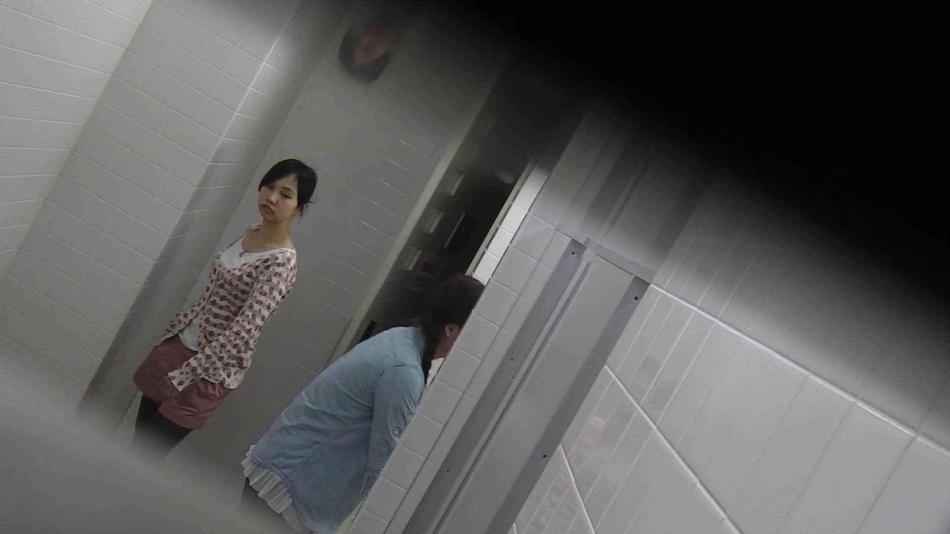 お銀さんの「洗面所突入レポート!!」Nol.8 お姉さん | ギャル  70画像 35