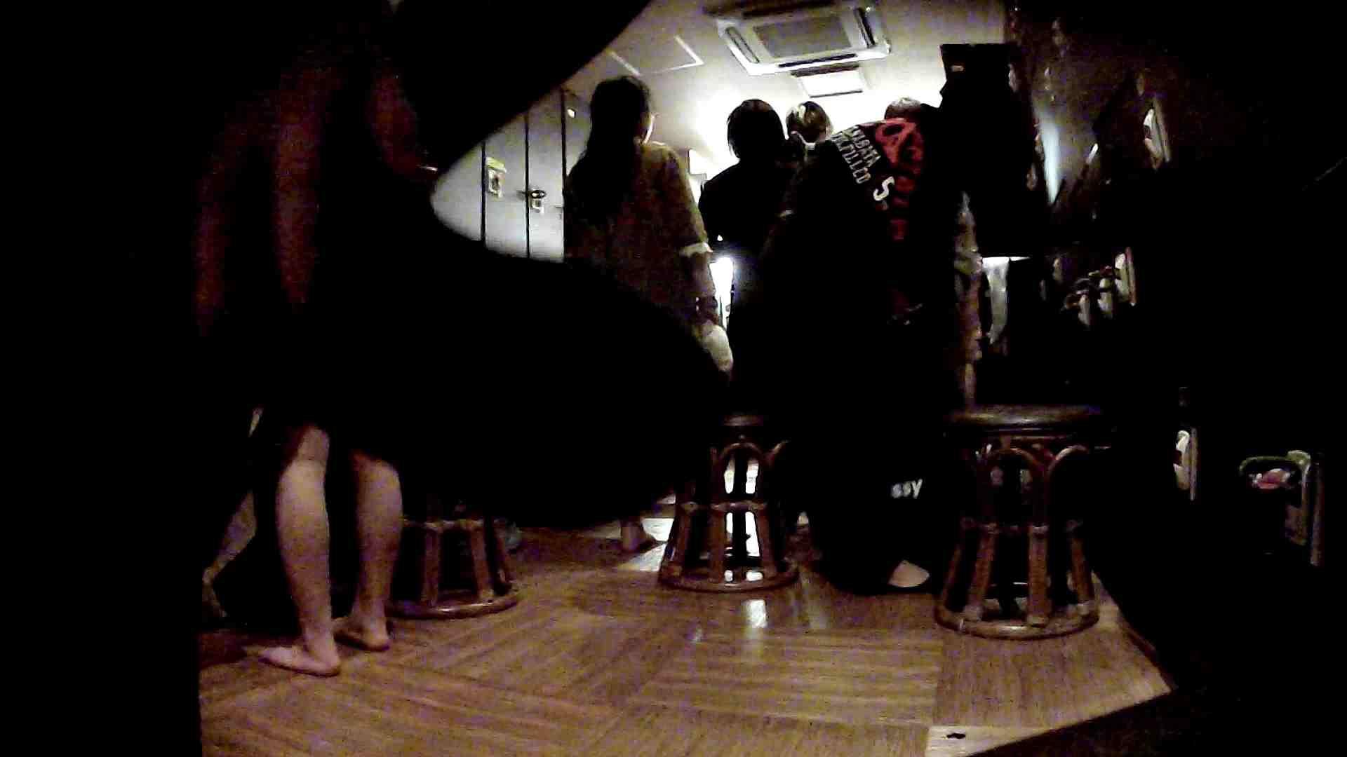 脱衣所!オムニバス 大混雑!注目はあの人の御御足でしょう。 ギャル   女湯  94画像 32