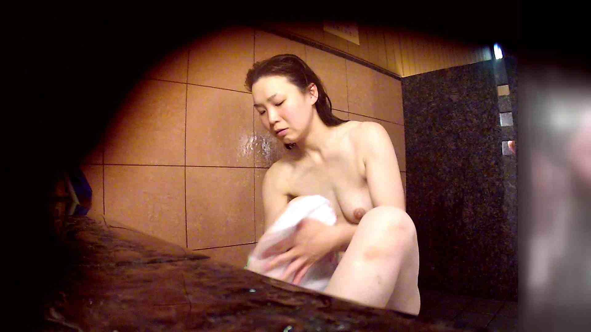 洗い場!マッスルお嬢さん!でもオッパイだけは柔らかそうです。 巨乳 | むっちり  108画像 23