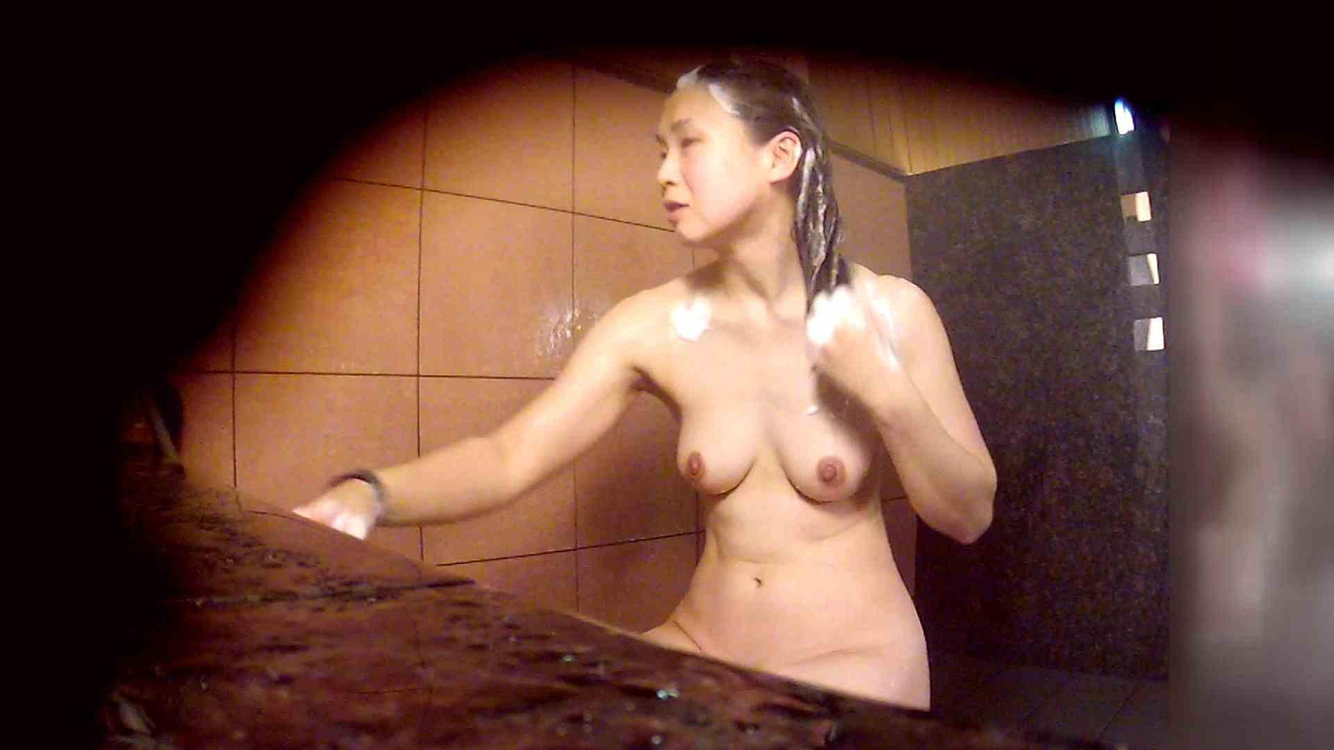 洗い場!マッスルお嬢さん!でもオッパイだけは柔らかそうです。 巨乳 | むっちり  108画像 41