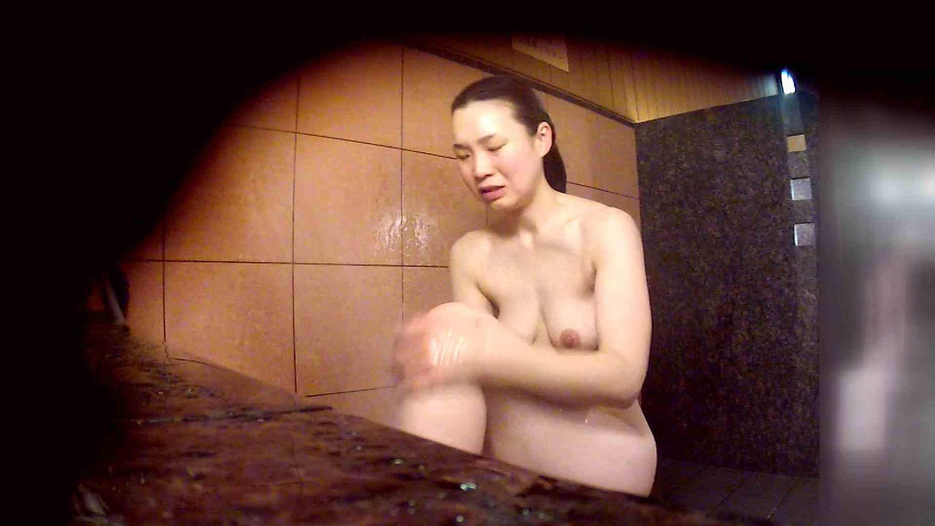 洗い場!マッスルお嬢さん!でもオッパイだけは柔らかそうです。 巨乳 | むっちり  108画像 69
