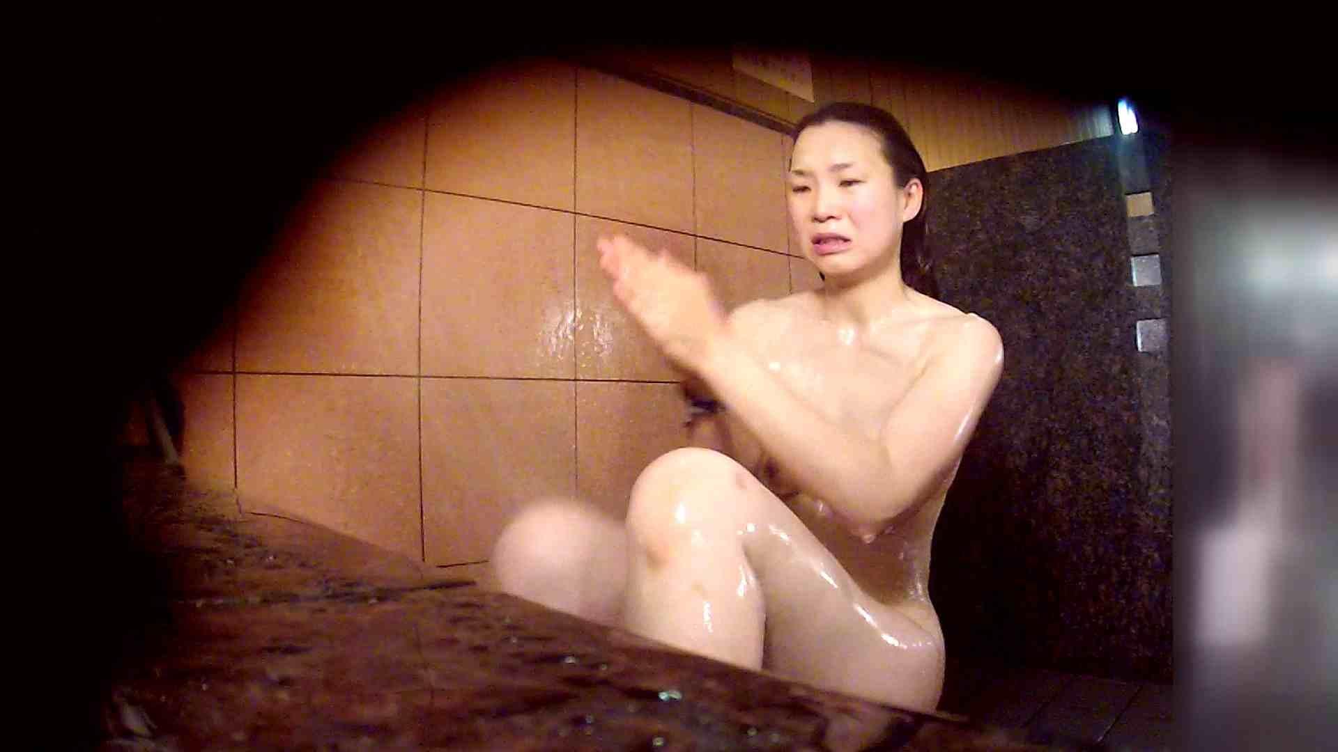 洗い場!マッスルお嬢さん!でもオッパイだけは柔らかそうです。 巨乳 | むっちり  108画像 77