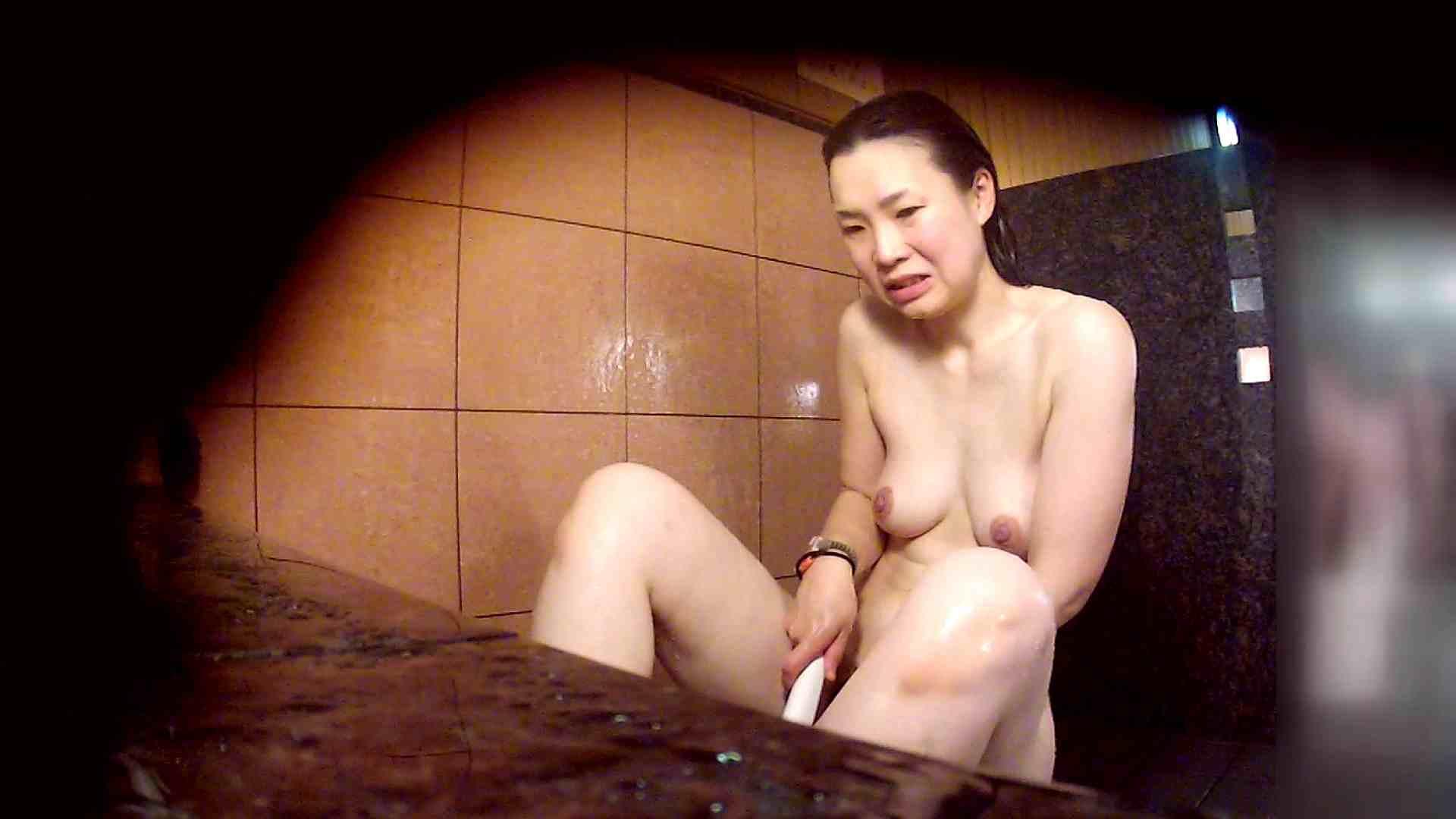 洗い場!マッスルお嬢さん!でもオッパイだけは柔らかそうです。 巨乳 | むっちり  108画像 87