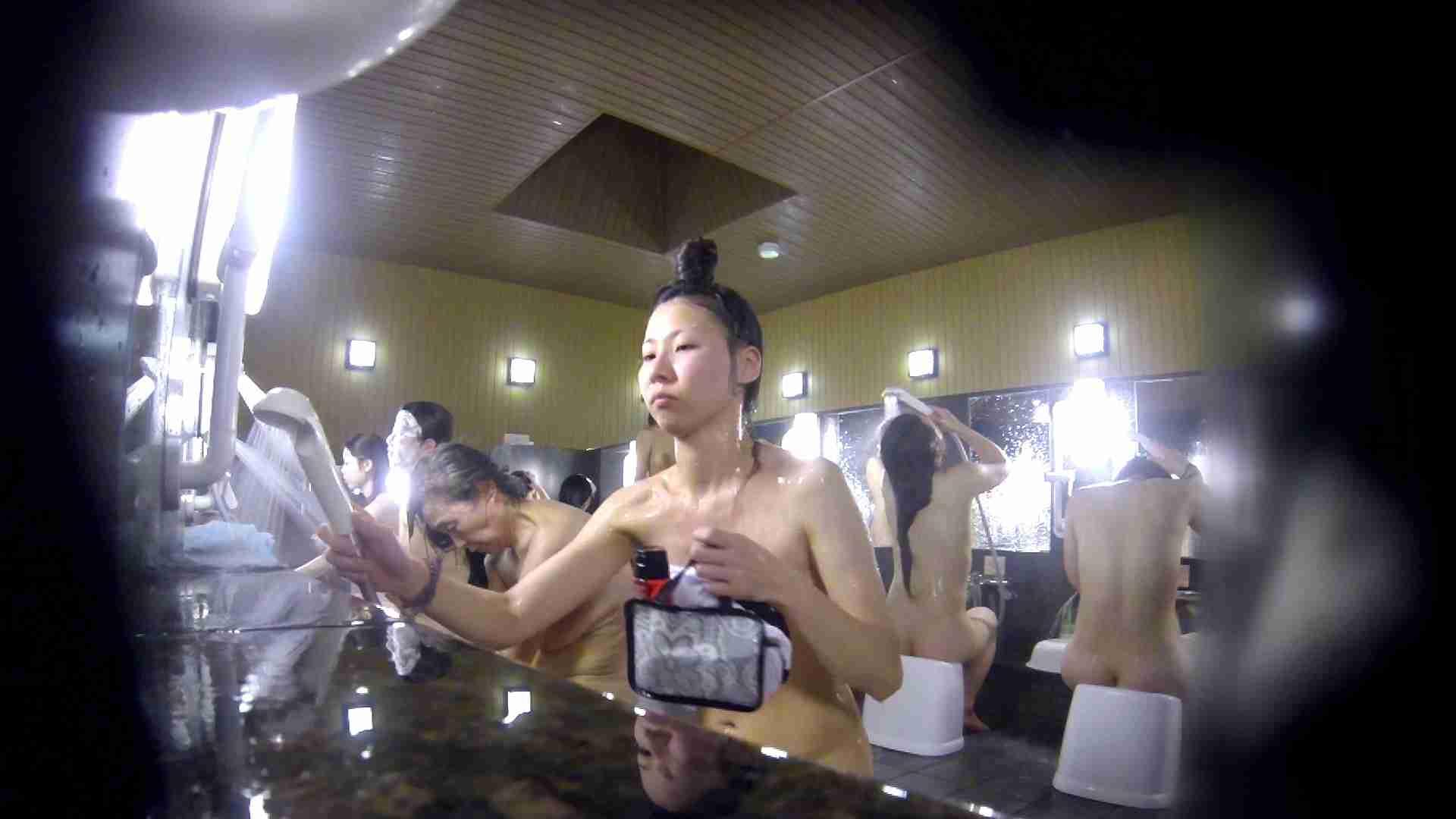 洗い場!だんご結びのお女市さん、色素が薄いです。 細身   美乳  61画像 17