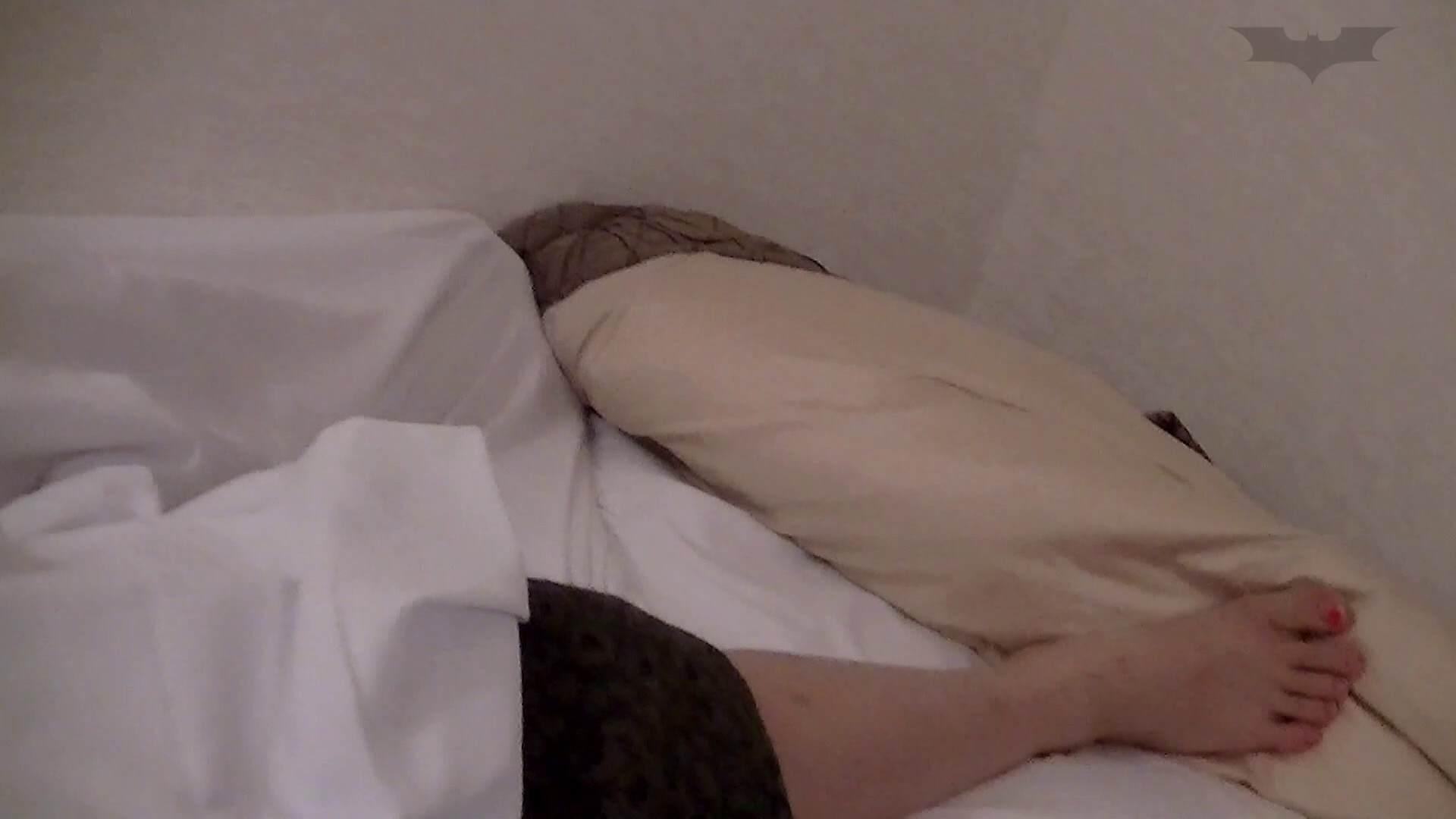 宿泊先の初心なお嬢(あずさ19才)を身内の立場を利用して弄ぶ影氏 ラブホテル潜入 | 丸見えマンコ  86画像 48