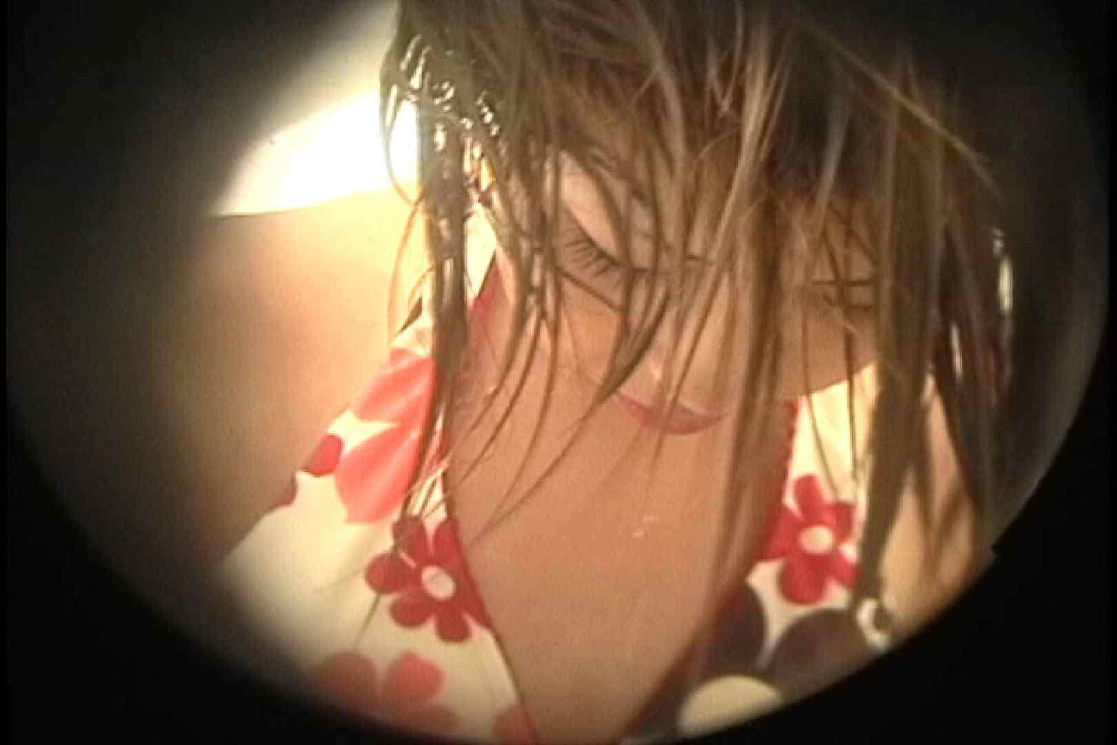 No.32 脇とVラインの処理が甘い貧乳ギャル、タンポンの紐がぶらぶら シャワー室 | 乙女H映像  88画像 28