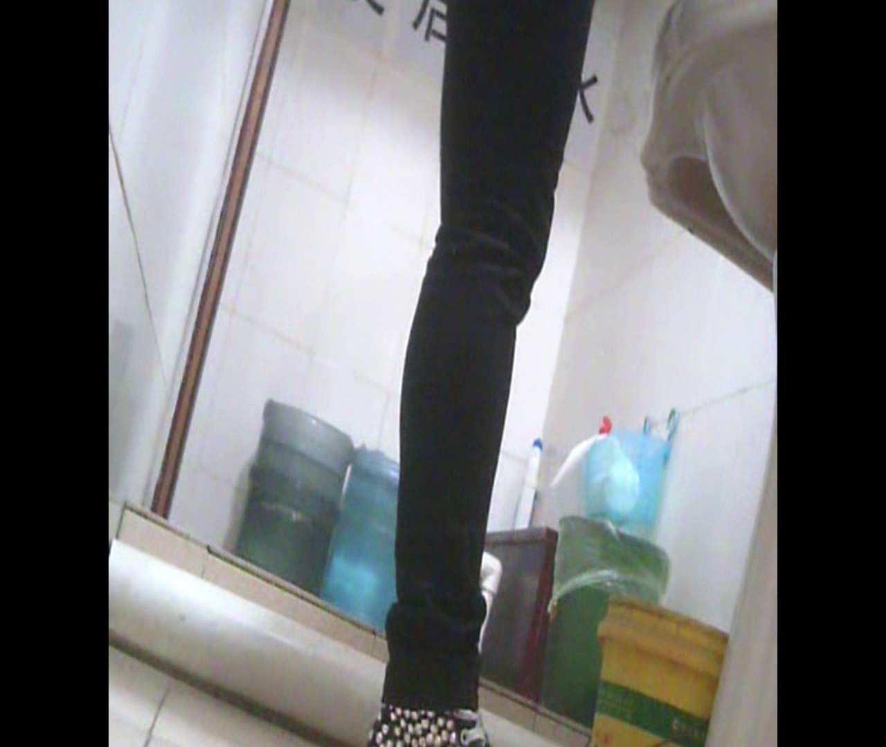 Vol.05 ズボンをはく時の左足! 洗面所   丸見えマンコ  111画像 8