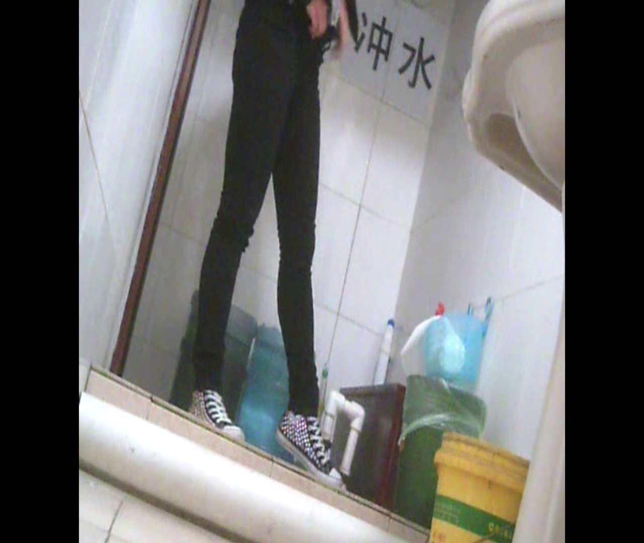 Vol.05 ズボンをはく時の左足! 洗面所   丸見えマンコ  111画像 80
