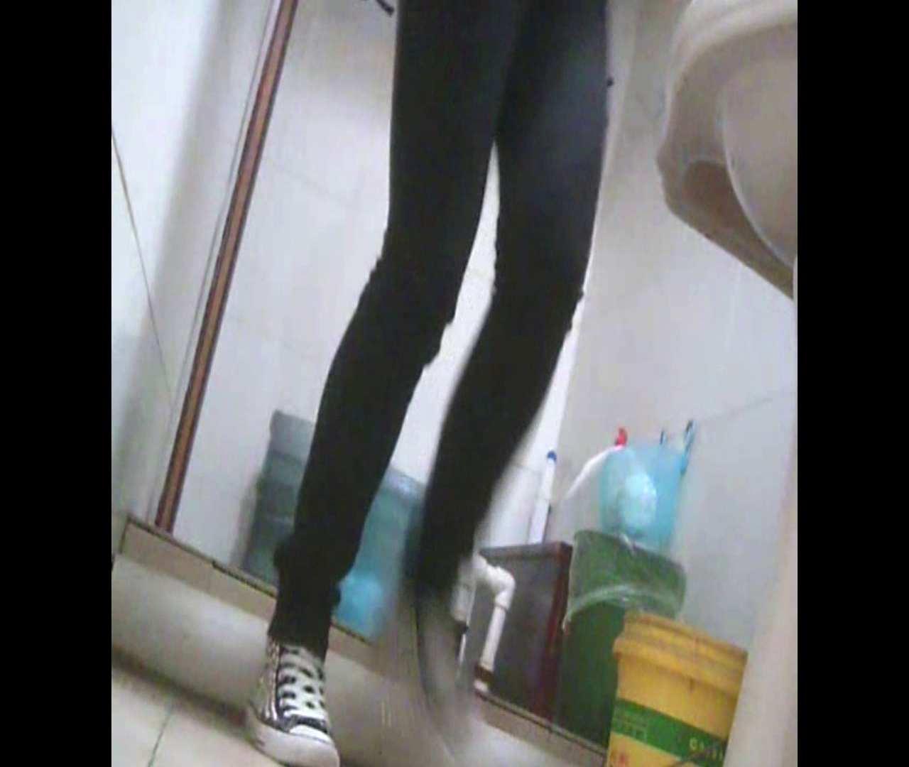 Vol.05 ズボンをはく時の左足! 洗面所   丸見えマンコ  111画像 89