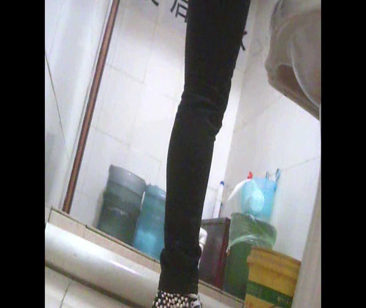Vol.05 ズボンをはく時の左足! 洗面所   丸見えマンコ  111画像 99