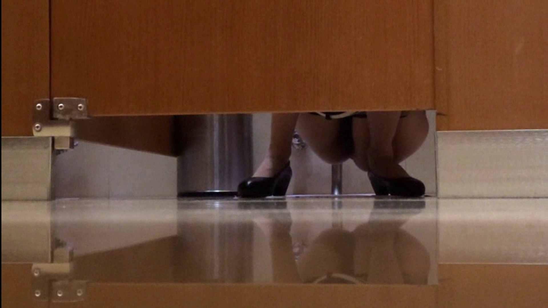 隣国化粧室下から御免!! No.04 美女H映像   洗面所  58画像 1