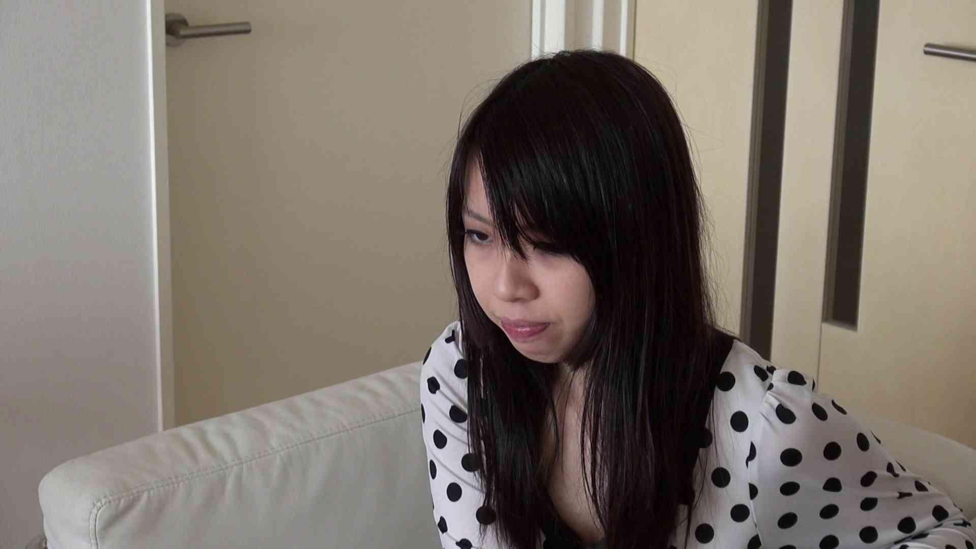 自宅で今回の出演までの経緯を語る志穂さん 0   0  63画像 21