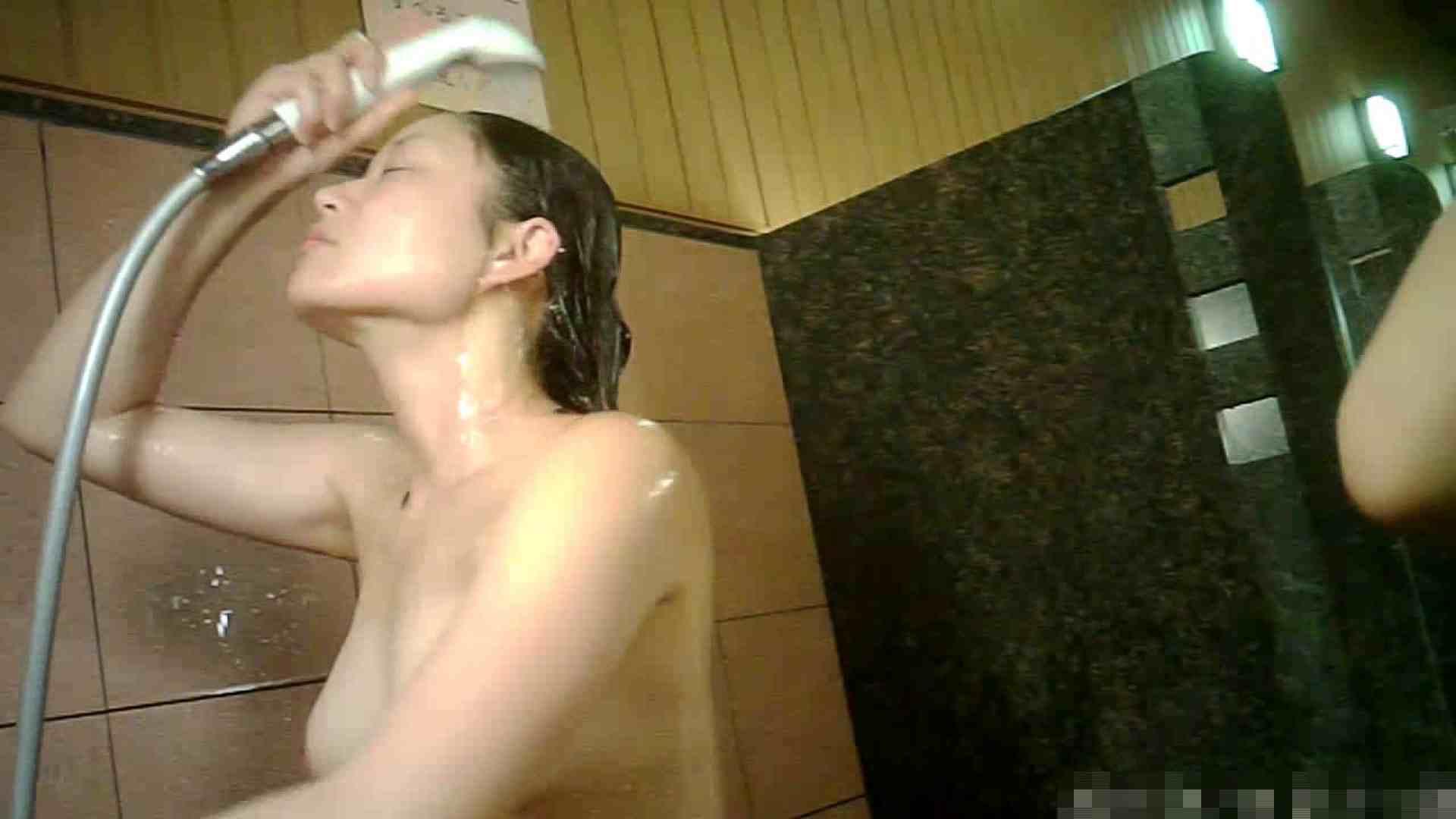 手を染めてしまった女性盗撮師の女風呂潜入記 vol.001 0   0  33画像 20
