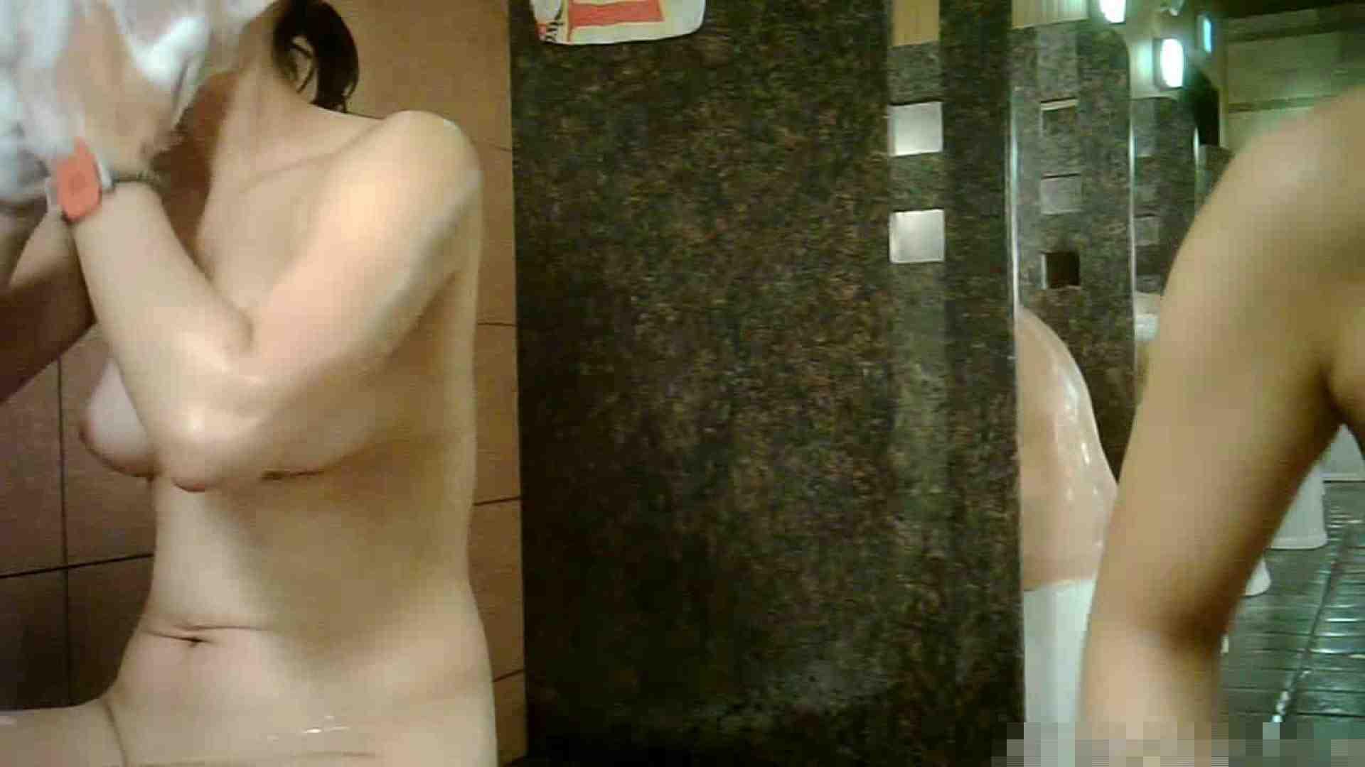 手を染めてしまった女性盗撮師の女風呂潜入記 vol.001 0   0  33画像 32