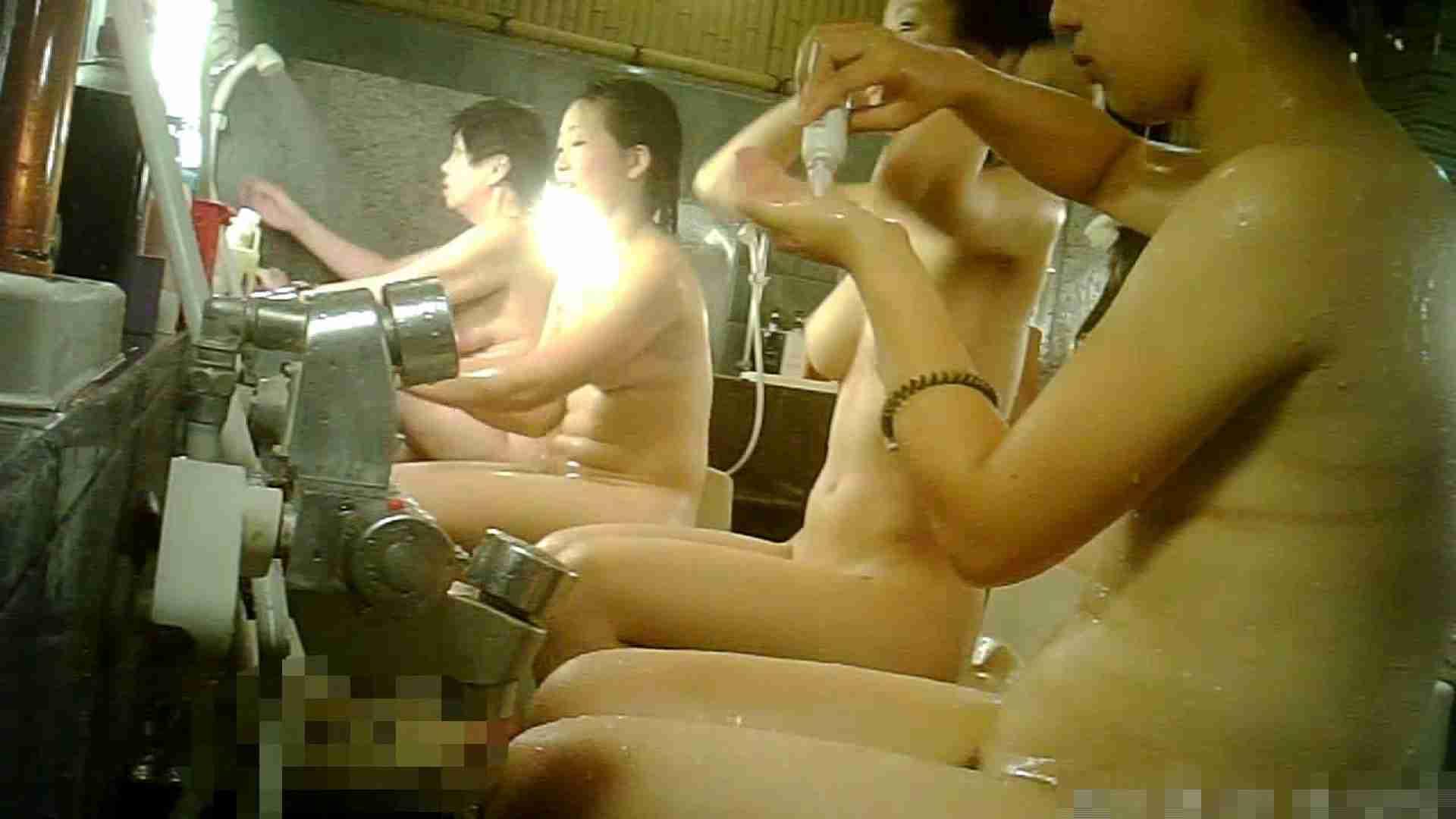 手を染めてしまった女性盗撮師の女風呂潜入記 vol.006 0   0  32画像 18