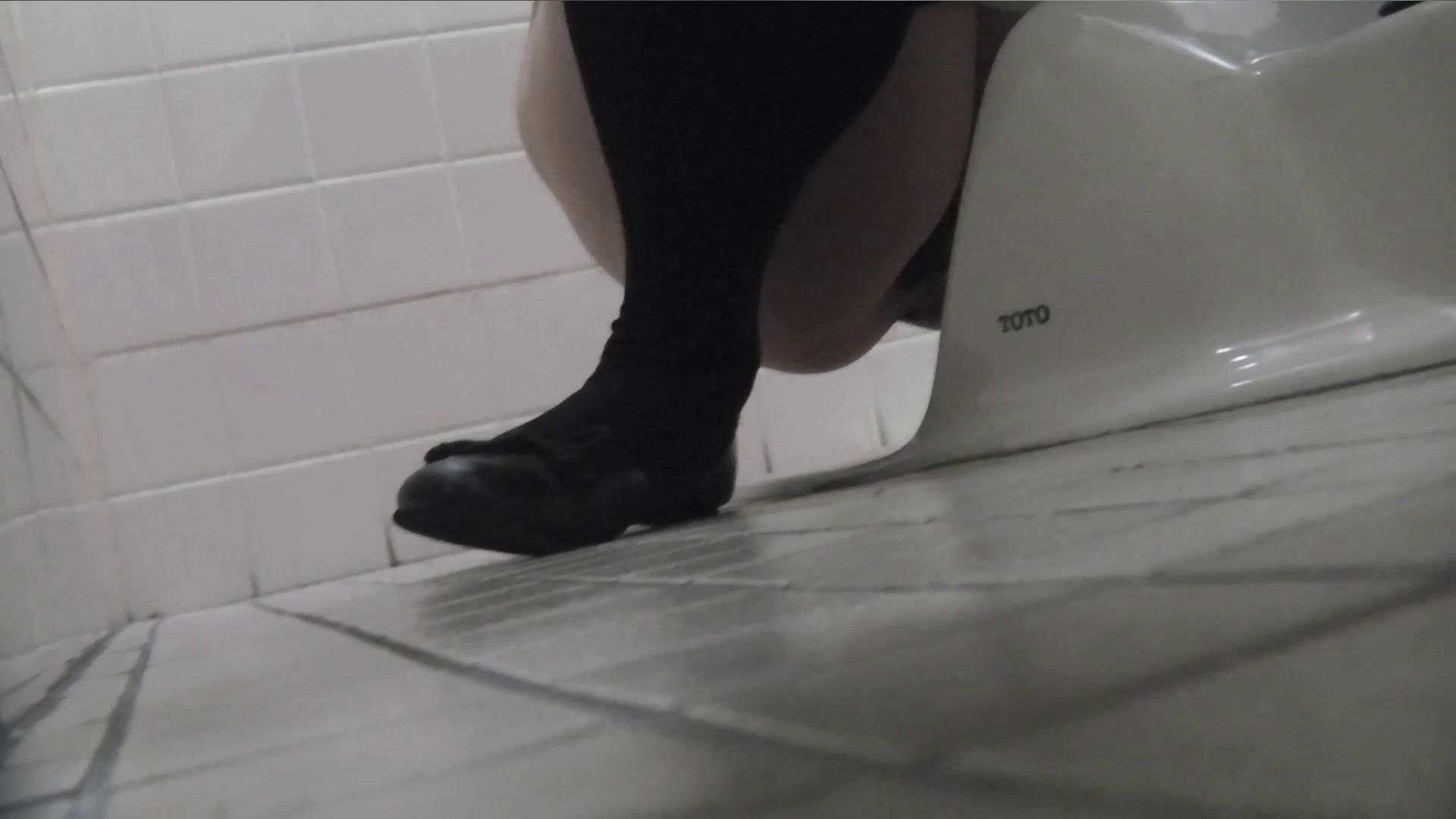 vol.08 命がけ潜伏洗面所! 黒ストッキングが流行りです。 0 | 0  97画像 46