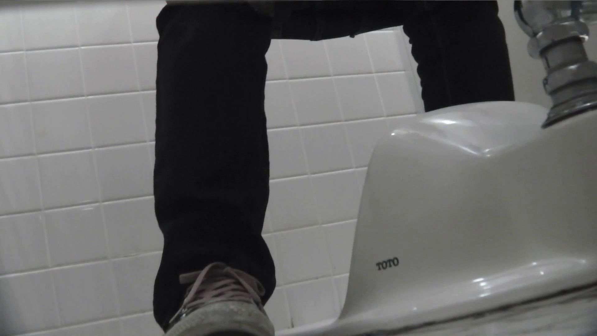 vol.08 命がけ潜伏洗面所! 黒ストッキングが流行りです。 0 | 0  97画像 82
